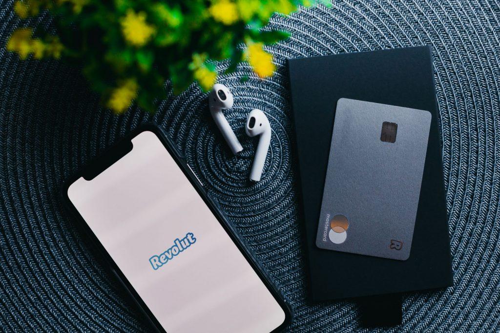 Revolut влиза в САЩ в партньорство с Mastercard
